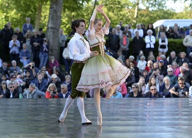 For tre år siden var den kongelige ballet i Hedelund og optræde. I år kommer Det Kongelige Teater med opera. Arkivfoto: Michael Bygballe