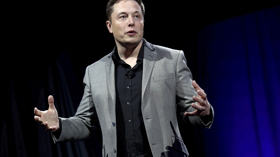 Tesla-aktien tager revanche på aktiemarkedet efter et forlig med det amerikanske finanstilsyn. Foto: Patrick Fallon/arkiv/Reuters