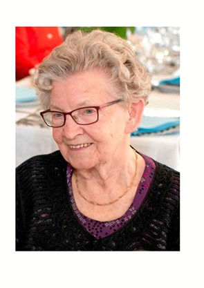 Karen fylder 90 år og passer hus og have