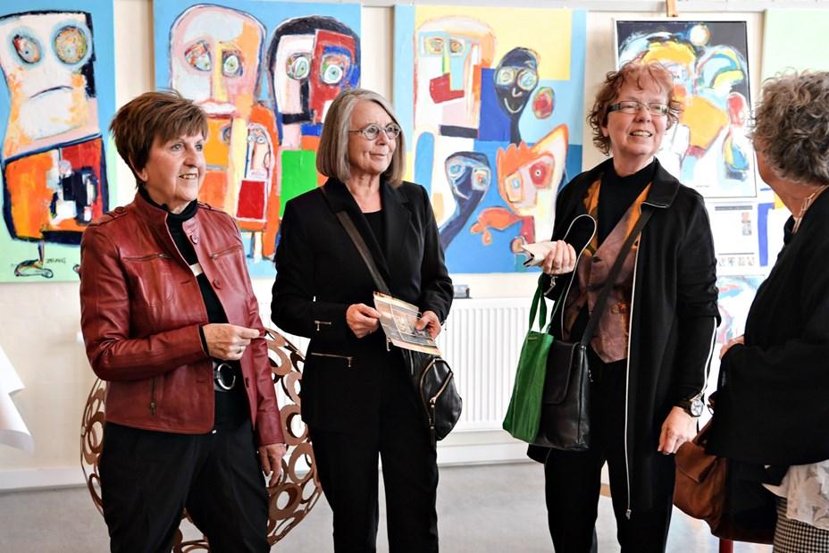 Kunst i Stenum - Farver, former og et tvist af humor