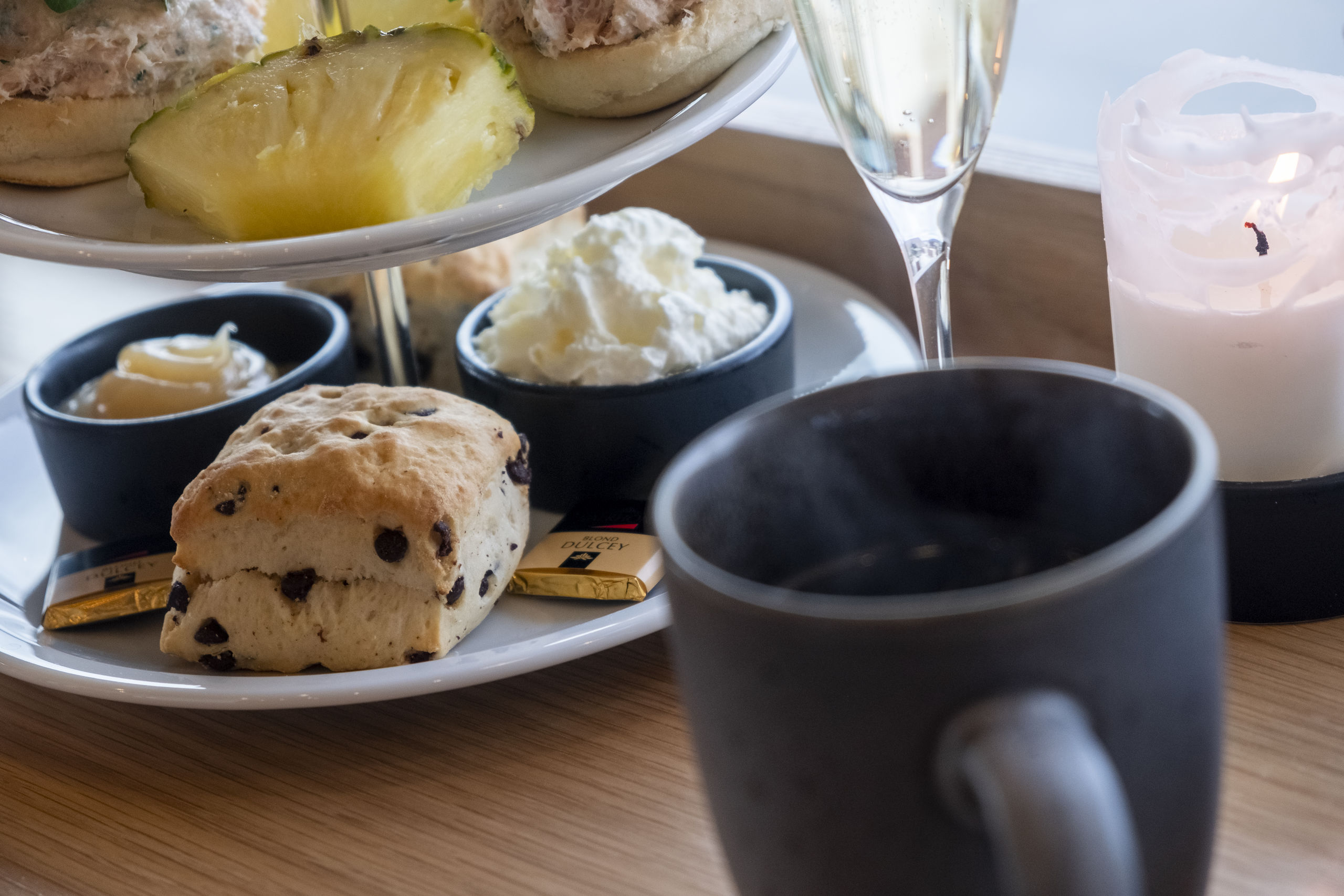 Vi vil have te og scones: Afternoon tea hitter på Salling Rooftop