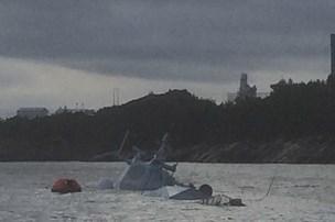Norsk krigsskib synker - kun radartårnet over vand