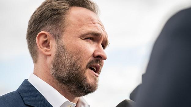 Dansk minister erkender bilforbud i EU bliver sejtrækker