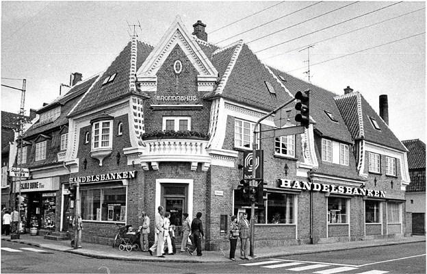 Trondrshus er en klassisk Julius Berg-bygning. Her har Skjold Burne og Handelsbanken sat sig på matriklen.
