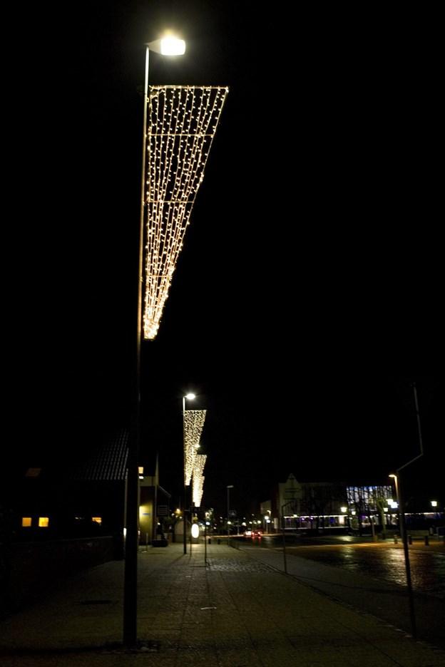 Den holder endnu i byområderne op til gågaden - belysningen fra 2006.