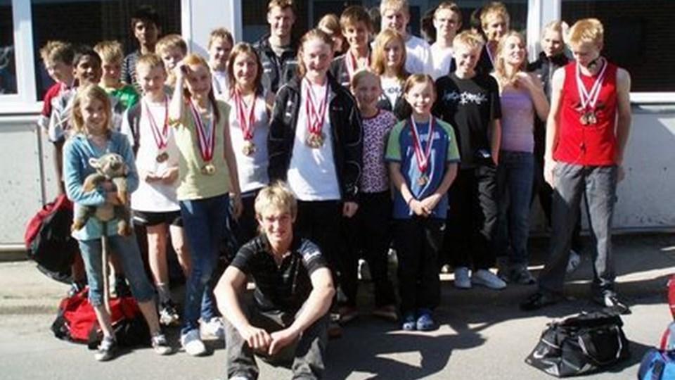 Hobro Svømmeklub holder fast i førstepladsen i Himmerlandsstævnet. privatfoto