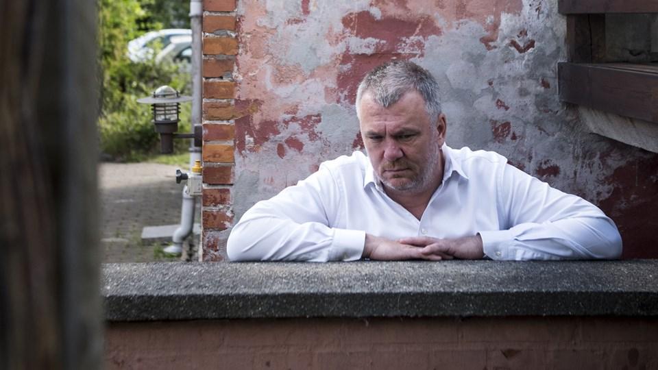 Før Jesper Stein blev krimiforfatter, arbejdede han i ti år som krimi- og retsreporter på Jyllands-Posten, hvor han dækkede sager, som stadig sidder i ham.
