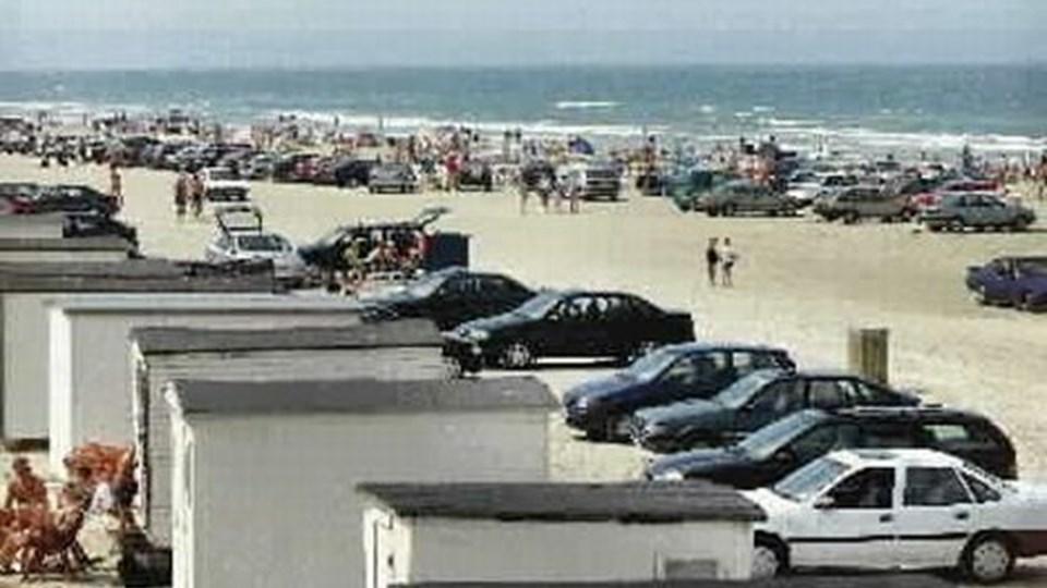 Stranden på en varm søndag, sådan som også mange flyrejsende kender den.  Arkivfoto Jens Morten