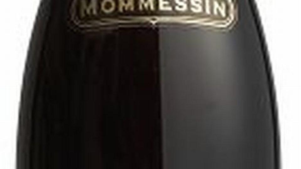 Mommessin Fleurie importeres af AMKA, Randers (tlf. 86419600).