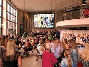 Mamma Mia trækker fuldt hus i biografen