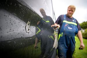 Professionelle tyve tømmer varebiler på stribe: Politiet beder borgere om at holde øje