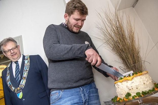 Verdens bedste kok vendte hjem til Jammerbugt - til ikonisk valnøddelagkage