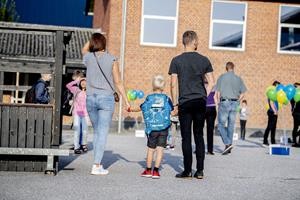 Evaluering af Havbakken: Forældre og personale ser flest fordele ved børneliv under samme tag