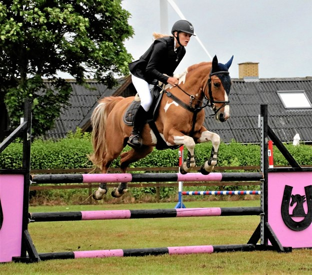 Hest og rytter fra springkonkurrencen i første del af jubilæumsstævnet i juni. Privatfoto