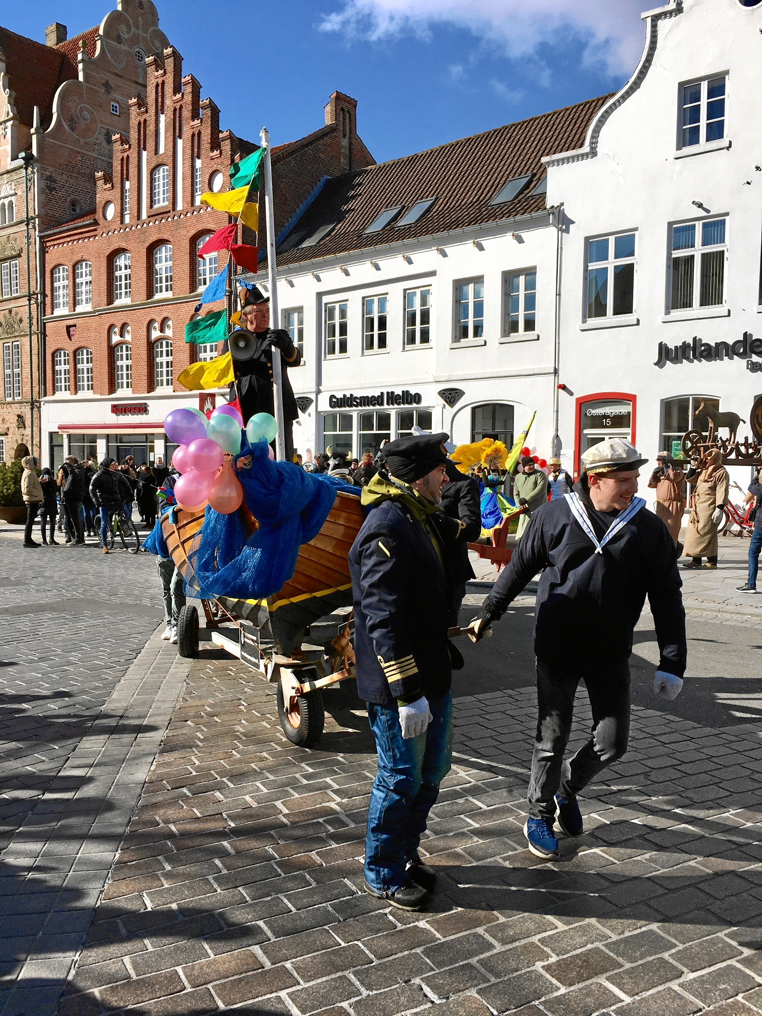 Nu er det forår: Karnevalsoptog går gennem byen i morgen
