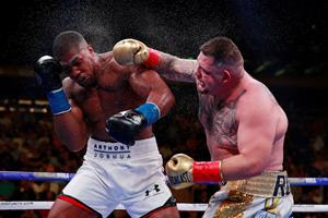 Joshua jagter VM-revanche i boksebrag i Saudi-Arabien