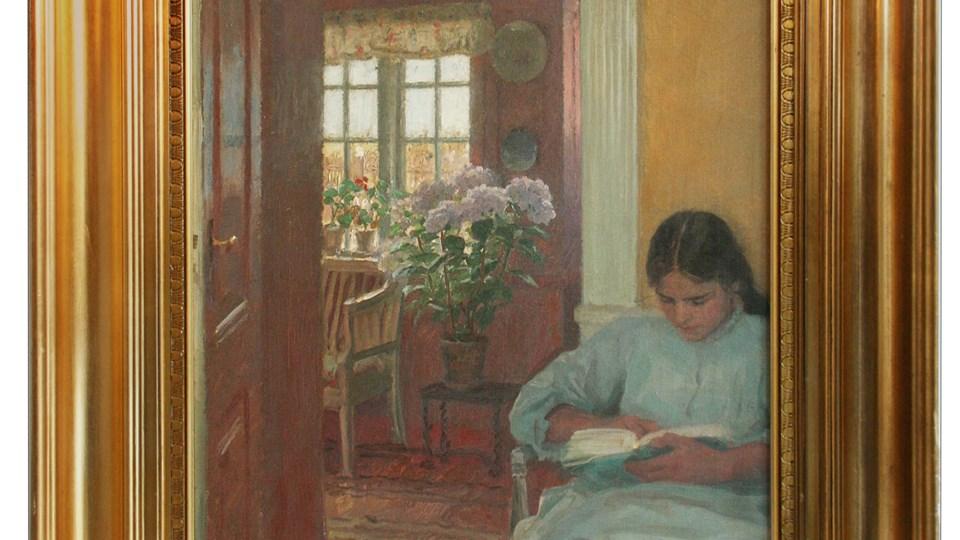 Dette billede af Laurits Tuxen hedder Interiør medlæsende ung pige, kan ses på Skagens Museum i fremtiden.