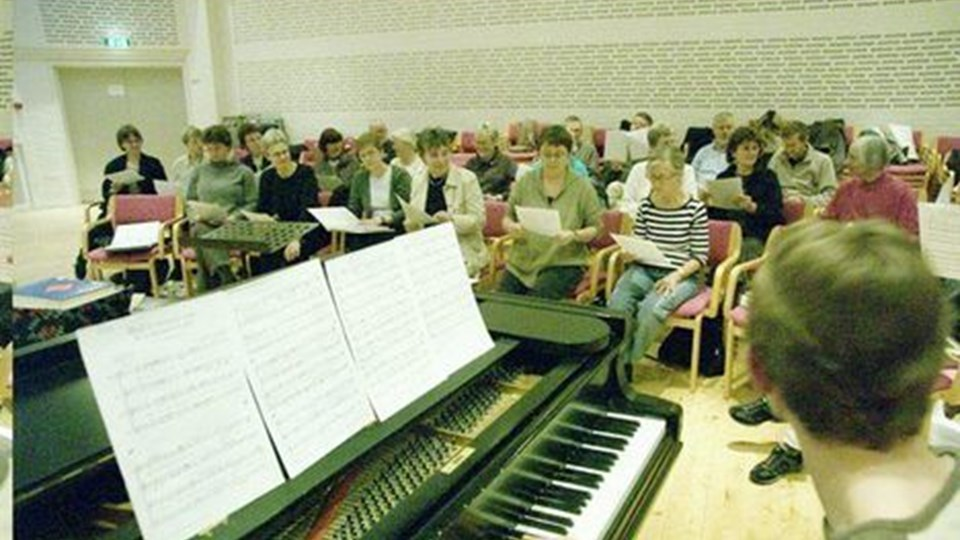Sangtus Koret synger i Tranum Kirke tirsdag aften.