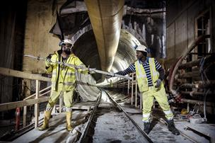 Verdenskendt tidligere Aalborg-professor: Derfor kører kæmpestore bygge-projekter af sporet