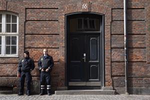 Minister vil fjerne politiets overarbejde med millionbeløb