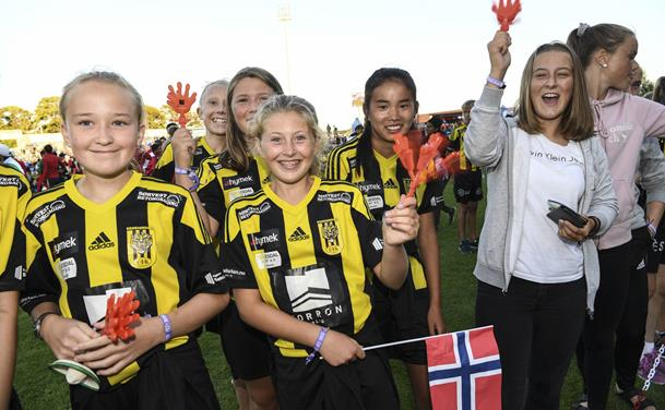 "Dana Cup indvier ""nyt"" stadion"