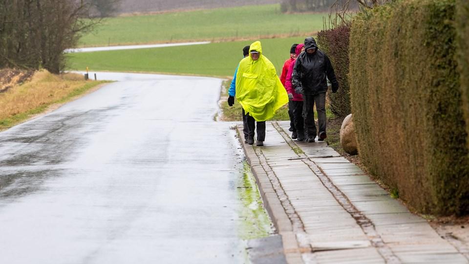 Turene gennemføres med skiftende turledere og til alle egne af øen. Terrænet varierer, sådan at der gås på landevej, stier, markveje og grusveje. Lørdagsturene er på halvanden til to timer - med en fart på cirka fire kilometer i timen, sådan at alle kan være med. Normalt er der 10-15 deltagere.
