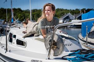 Johanne dropper uddannelse og flytter ud på båd: - Det er ikke et sabbatår, det er et sabbatliv