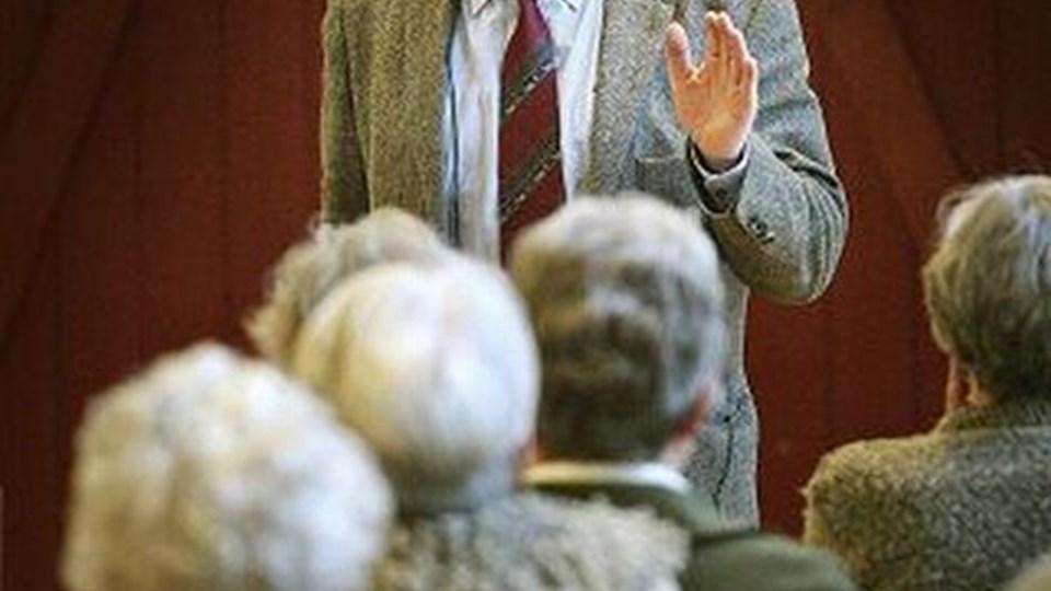 Ole Helmig (sangeren Thomas Helmig's far) er en populær foredragsholder.