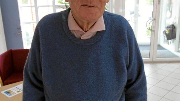 Mange husker fortsat lærersønnen fra Asaa, så det blev til mange nostalgiske gensyn, da Mogens Dalsgaard fortalte om sit liv i Sognegården i Dronninglund. Foto: Jørgen Ingvardsen
