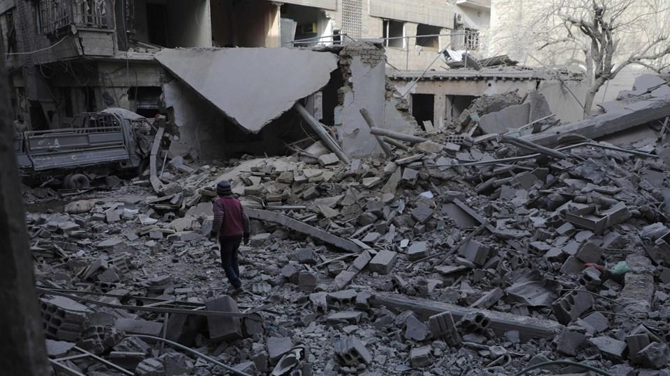 Mindst 17 personer har mandag mistet livet i et missilangreb i Ghouta. Foto: Scanpix/Hamza Al-ajweh