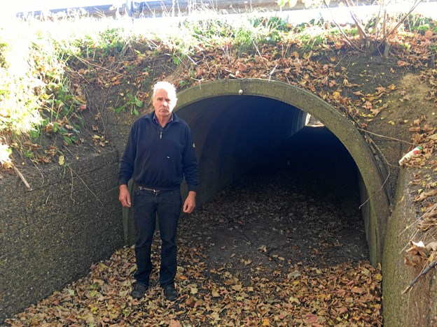 Jørgen Jensen foran sin tunnel, som nu bliver åbnet for løb.Privatfoto