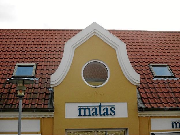 Matas-bygningen, som tidligere rummede Ejnar Nielsens Boghandel, har også bevaret sin Julius Berg-kvist trods en gennemgribende ombygning.