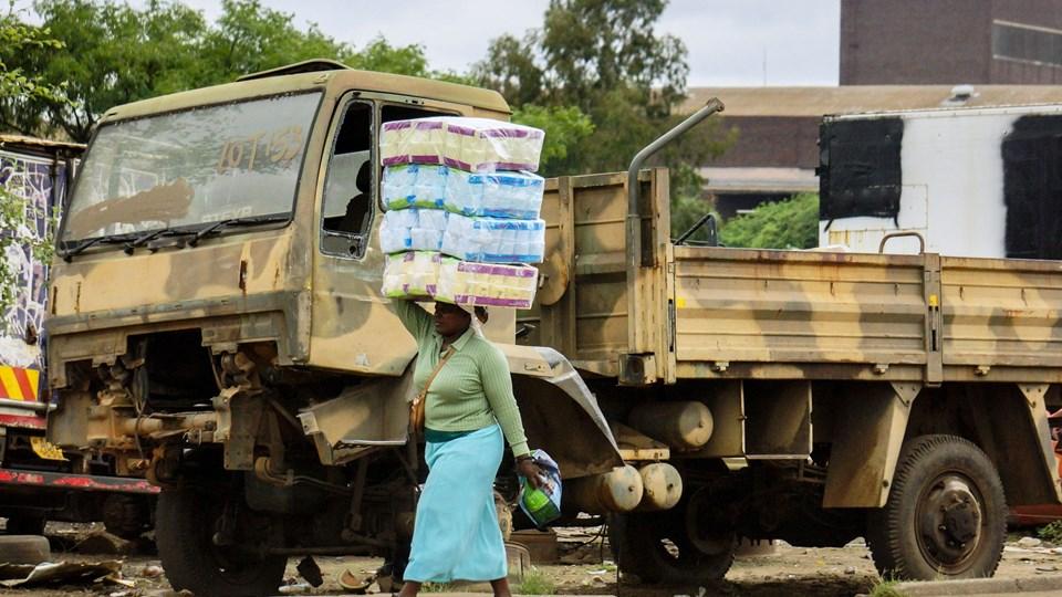 Det er særligt i afrikanske lande syd for Sahara, at mængden af mennesker, der lever i ekstrem fattigdom, forbliver høj. Foto: Scanpix/Ritzau Scanpix