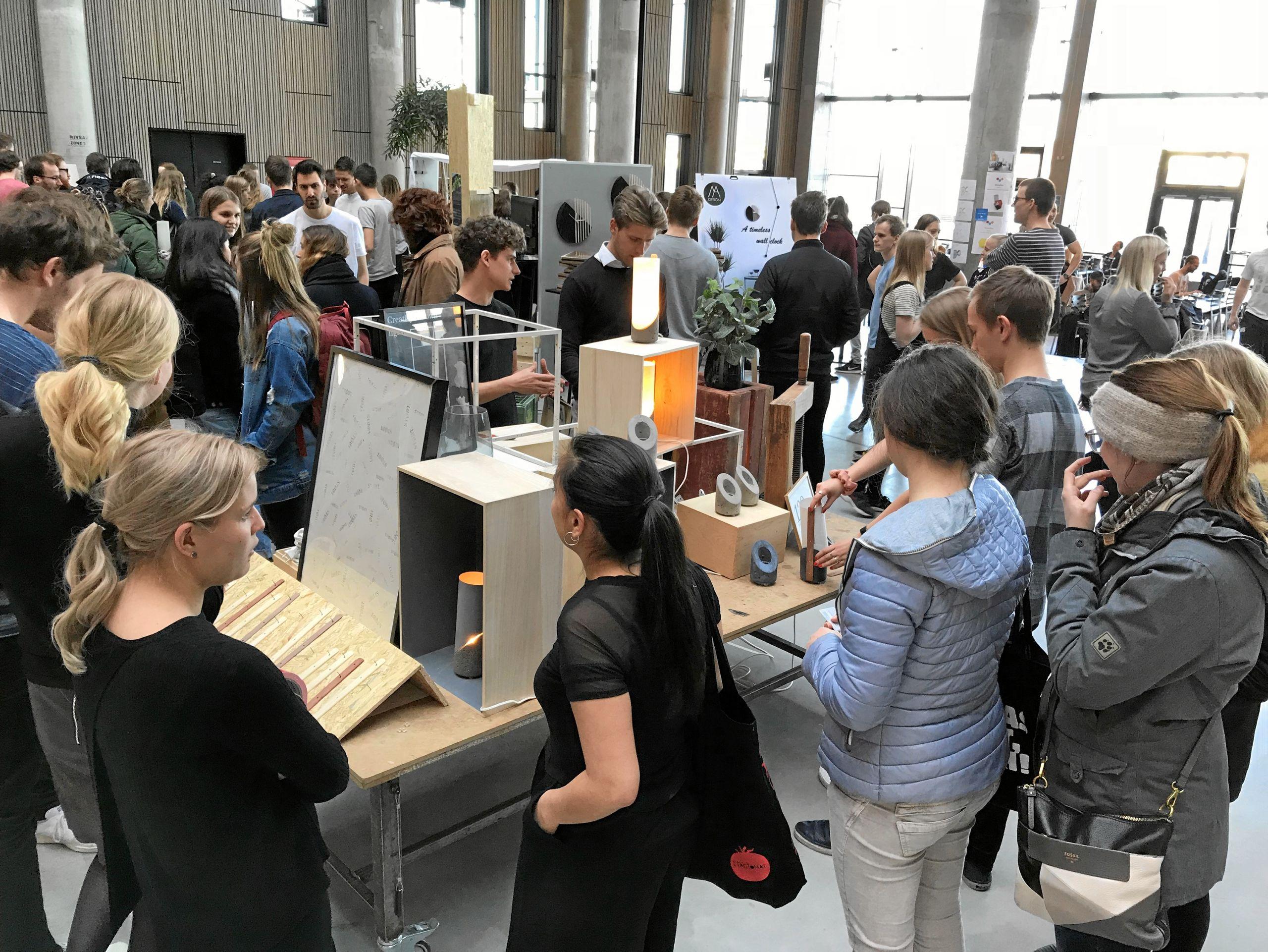 Designer's Market: Studerende sælger deres unikke danske design