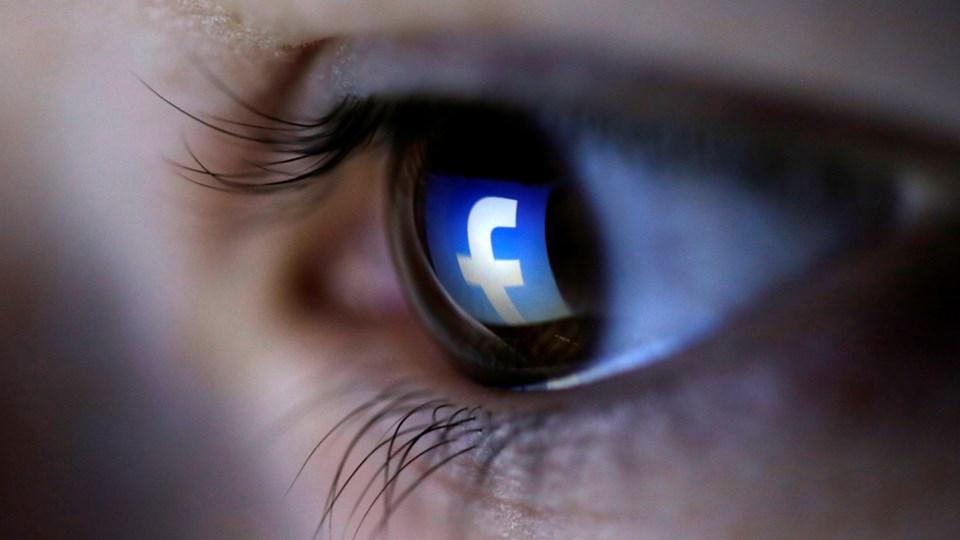 En hård tone og trusler på de sociale medier kan påvirke svage sjæle og psykisk syge til at begå terrorlignende vold, vurderer PET. Foto: Reuters/Dado Ruvic