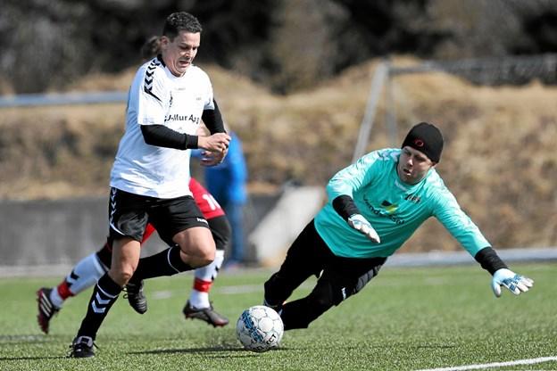 Michael Brønnerup Madsen, der her ses i aktion som spiller for VHG/GS, skal næste sæson stå i spidsen for klubben som træner. Foto: Allan Mortensen