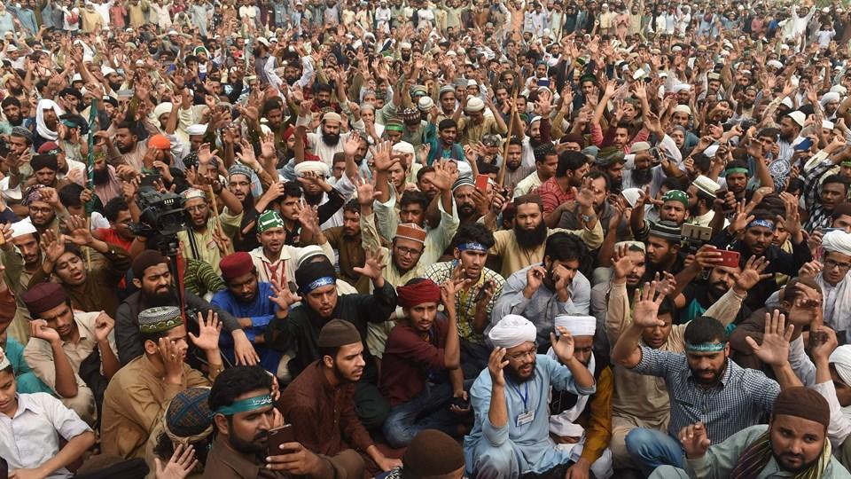 Tilhængere af det islamistiske Tehreek-i-Labaik Pakistan (TLP) fortsætter protester i Lahore i Pakistan mod en kristen kvinde, som har tilbragt otte år i fængsel på dødsgangen, efter at hun blev beskyldt for at have overtrådt landets blasfemilovgivning.
