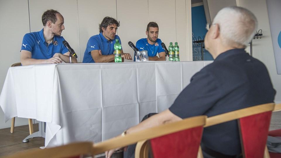 Zagreb-træner Zoran Mamic ses her i midten. Arkivfoto: Martin Damgård