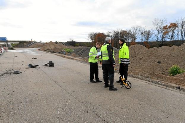 Flugtbilist påkørte vejarbejder og stak af til fods