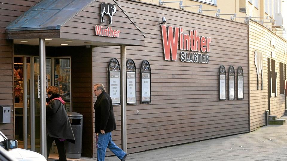 Torsdag 1. november er det 10 år siden Karl Christian Lunden overtog Slagter Winther i Hjørringgade i Hirtshals.Foto: Hans Wendelboe Bøcher