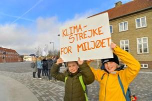 12-årige veninder fra Hobro strejkede for klimaet: - Vi skal råbe politikerne op nu!
