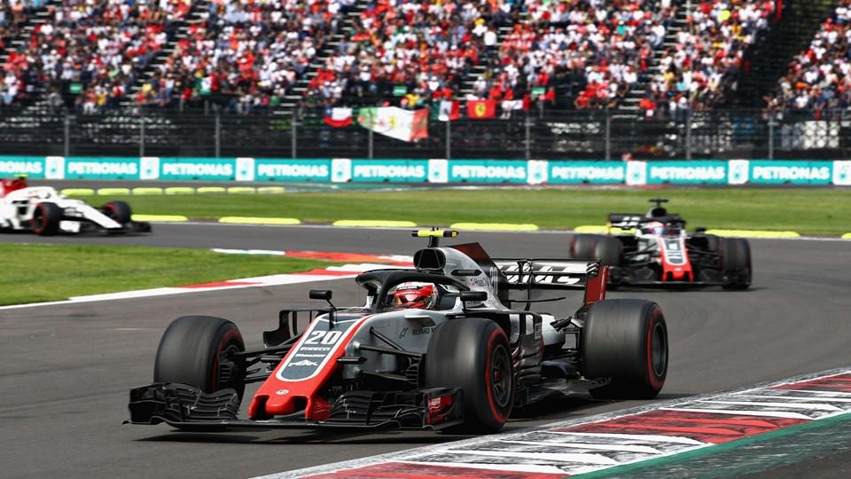 Haas-køreren Kevin Magnussen, som her ses køre et Formel 1-løb i Mexico, skal en tur til Vietnam i 2020. Foto: Mark Thompson/Ritzau Scanpix