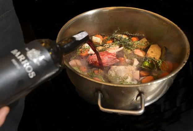 Hos Victors Madhus kan du få barbecue marineret spoleben fra gris. Arkivfoto: Torben Hansen