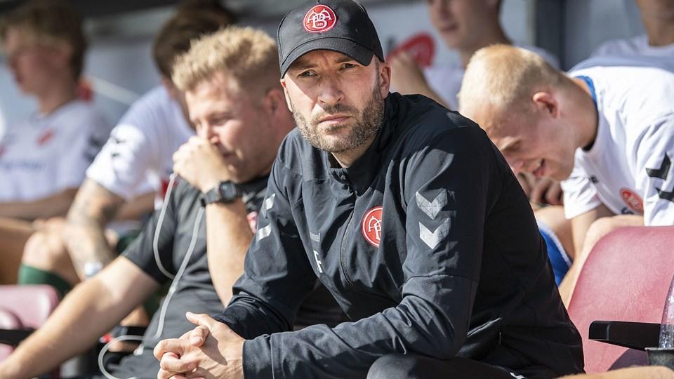 Cheftræner Jacob Friis må være bekymret over, hvor lavt et bundniveau hans mandskab har. Med eller uden Lucas Andersen. Foto: Anders Kjærbye/Ritzau Scanpix