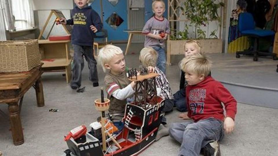 Krabbely havde åbent for sidste gang i går - i dag er de godt 20 børn og personalet sluset ud i tre andre Hirtshals-børnehaver.FOTO: KURT BERING