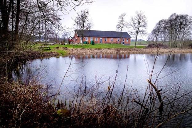 Politikere trodser naboprotester: Nu får vinterbadere sauna ved Snæbum Sø