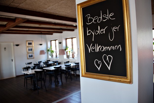 Den 25. august holder parret åbningsreception og fejrer cafeens nye navn.