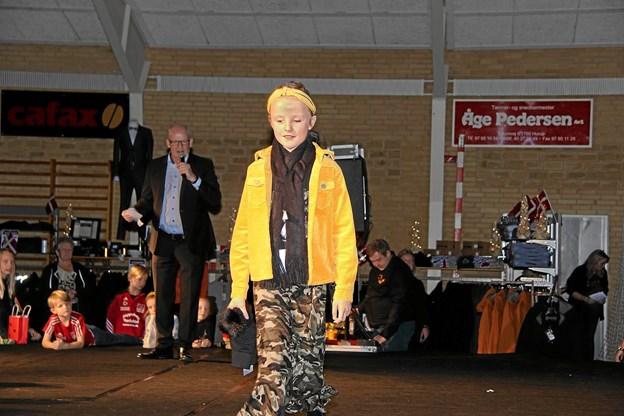 Der blev vist smart tøj til både voksne og børn til modeshowet. Foto: Hans B. Henriksen Hans B. Henriksen