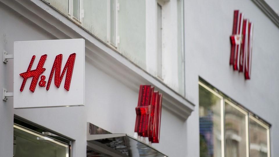 Fra mandag koster det penge at få en pose med, når man handler i H&M. Overskuddet går til WWF Verdensnaturfonden. Arkivfoto: Liselotte Sabroe, Ritzau Scanpix