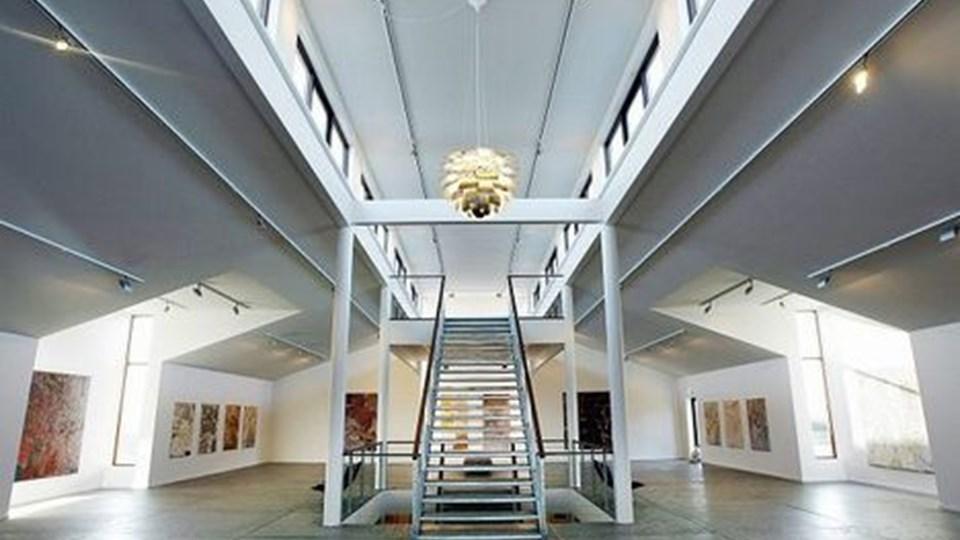 Galleri Lien ved Slettestrand er klar til åbning igen på lørdag, uanset at ejerne, Annemette Christensen og Jan Middelboe, har lidt store tab som følge af finanskrisen. Arkivfoto